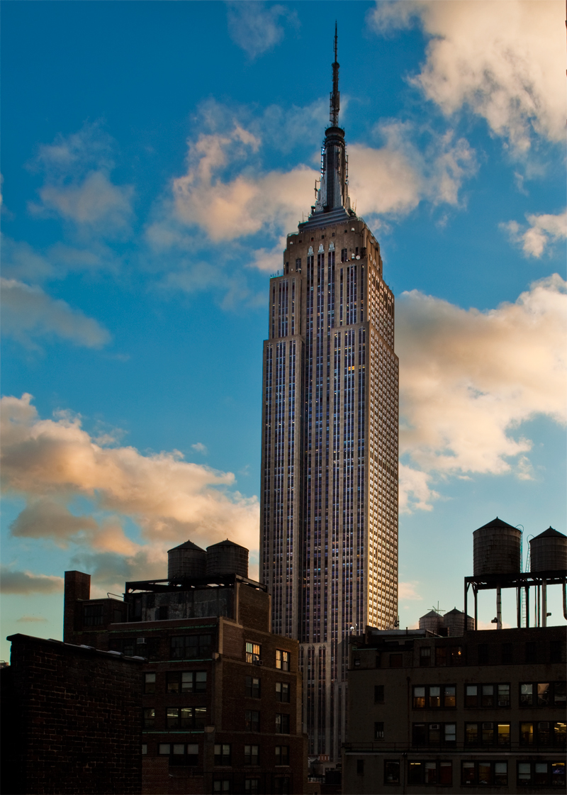 The view of the Empire State building at Refinery Rooftop
